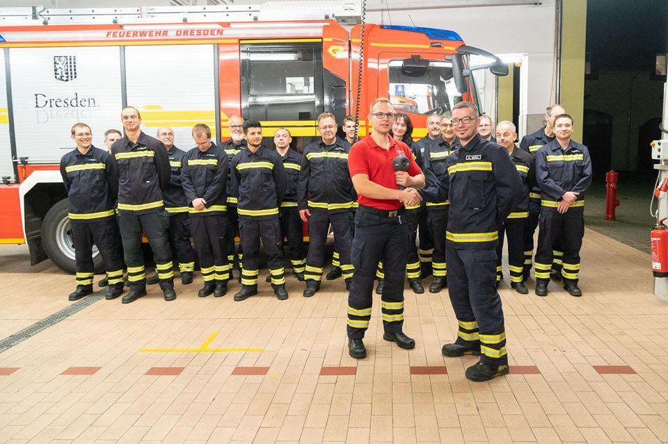 Übergabe der Wärmebildkamera an die Feuerwehr Niedersedlitz